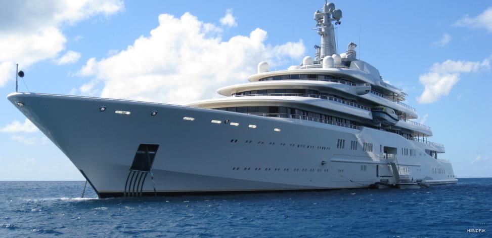 Super Yacht – Super Wreck   OThree Custom Drysuits